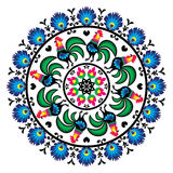 Польская традиционная картина народного искусства в круге с петухами - Wzory Lowickie, Wycinanka Стоковые Изображения RF
