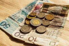 Польское взгляд сверху банкнот и монеток денег Стоковое Изображение RF