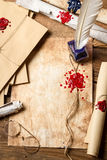 Подьячая рабочего места старый который написал письма и перечени Стоковые Фотографии RF