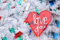 Полюбите вас леденец на палочке сердца на предпосылке конфет зимы Стоковое фото RF