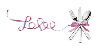 Полюбите розовую валентинку silverware ленты изолированную на белой предпосылке Стоковые Изображения