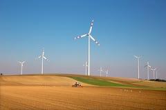 Поля ветротурбины и осени в Австрии стоковые изображения