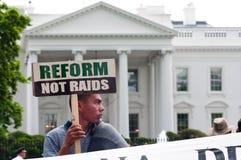права реформы в марше дома переселенцевые к белизне Стоковое фото RF