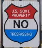Правительство отсутствие trespassing знака Стоковое Изображение