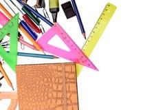 Правитель карандаша ручки канцелярские товаров, изолированный на белой предпосылке Стоковые Изображения