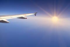 Правое крыло воздушного судна солнце Стоковые Изображения RF