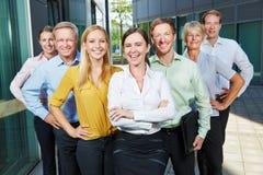 Правомочность и успех в бизнесменах команды стоковое изображение rf