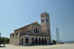 Православная церков церковь Konstantinos на своем главном фасаде Перемещение истории архитектуры стоковая фотография