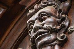 Прага - орнамент двери тролля головной стоковое изображение rf