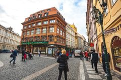 25 01 2018 Прага, чехия - взгляд к улице в старой Стоковое Изображение RF