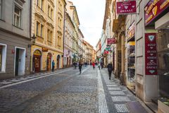 25 01 2018 Прага, чехия - взгляд к улице в старой Стоковое Фото