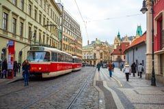 25 01 2018 Прага, чехия - взгляд к улице в старой Стоковые Изображения RF
