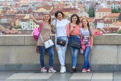 ПРАГА, ЧЕХИЯ - 17-ОЕ МАЯ 2017: Прага, чехия Популярный туристский распорядок в Praha, прогулке через Стоковые Изображения RF