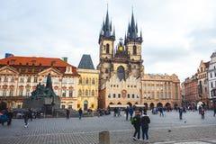 25 01 2018 Прага, чехия - старые городская площадь и церковь o Стоковое Изображение RF