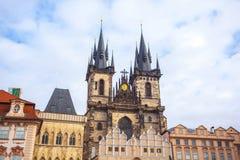 25 01 2018 Прага, чехия - старые городская площадь и церковь o Стоковое фото RF