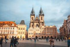 25 01 2018 Прага, чехия - старые городская площадь и церковь o Стоковая Фотография RF