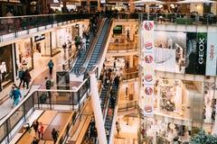 Прага, Чешская Республика Крытый торговый центр палладиума Стоковые Изображения RF