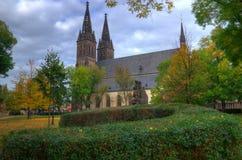 Прага, Vysehrad, собор St Peter и Пол - изображение осени Стоковая Фотография