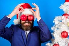 Праздники значили ради веселья Бизнесмен присоединяется к подготовке рождества потеха рождества Хипстер человека бородатый нести  стоковая фотография rf