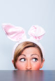 праздник девушки пасхи зайчика Стоковое фото RF