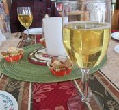 Праздничная сервировка стола на праздниках Стоковые Фотографии RF
