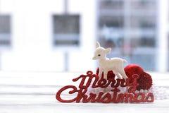 Праздничное украшение, шарики рождества, статуэтка оленей Стоковое Изображение RF