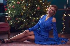 праздновать женщину рождества стоковые фото