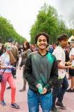 Праздновать индийский фестиваль цветов и весну Holi в парке Gorky Стоковое фото RF