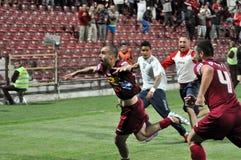 праздновать победу футбола игроков Стоковая Фотография