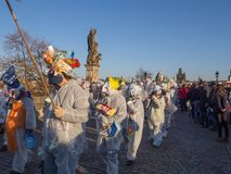 Праздновать 29-ую годовщину бархатной революции в Праге стоковые фотографии rf