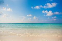 Праздника предпосылки природы чистой воды атолл остров-курорта тропического роскошный о приключении шноркеля свободы кораллового  Стоковое Фото