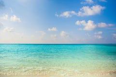 Праздника предпосылки природы чистой воды атолл остров-курорта тропического роскошный о приключении шноркеля свободы кораллового  Стоковые Изображения RF