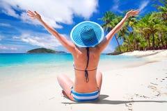 Праздники Солнця на тропическом пляже Стоковые Изображения