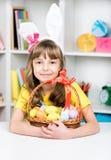 Праздник пасхи - яичка расцветки ребенк Стоковое Фото