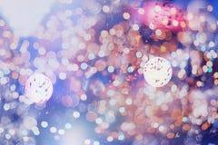 Праздничная предпосылка с естественным bokeh и яркими золотыми светами Винтажная волшебная предпосылка с цветом Стоковое Изображение