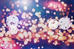 Праздничная предпосылка с естественным bokeh и яркими золотыми светами Винтажная волшебная предпосылка с цветом Стоковая Фотография