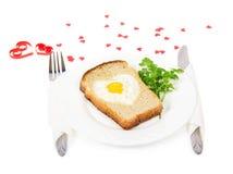 Праздничный завтрак на день валентинки, яичница Стоковое Изображение RF