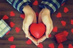 Праздничный подарок Сердце Валентайн дня s Стоковая Фотография RF