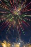 Праздничный салют в честь дня победы дальше может 9 Стоковое Изображение RF