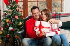 Празднующ рождество совместно Стоковая Фотография RF