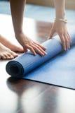 Практика йоги сверх стоковые изображения rf