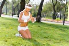 Практика йоги стоковые фотографии rf