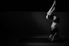 Практика йоги Стоковая Фотография RF