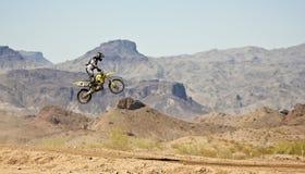 Практики гонщика Motocross на парке САРЫ Стоковое фото RF