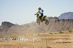 Практики гонщика Motocross на парке САРЫ Стоковое Фото