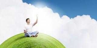 практикуя йога индюка лета Стоковые Изображения