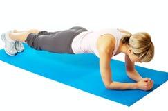 практикуя йога sportswoman Стоковое Изображение