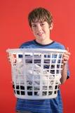 прачечный удерживания мальчика стоковая фотография rf