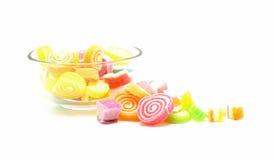 Превращать помадку конфеты при сахар изолированный на белизне Стоковые Изображения RF