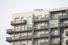 преградите построенные квартиры заново стоковые фото